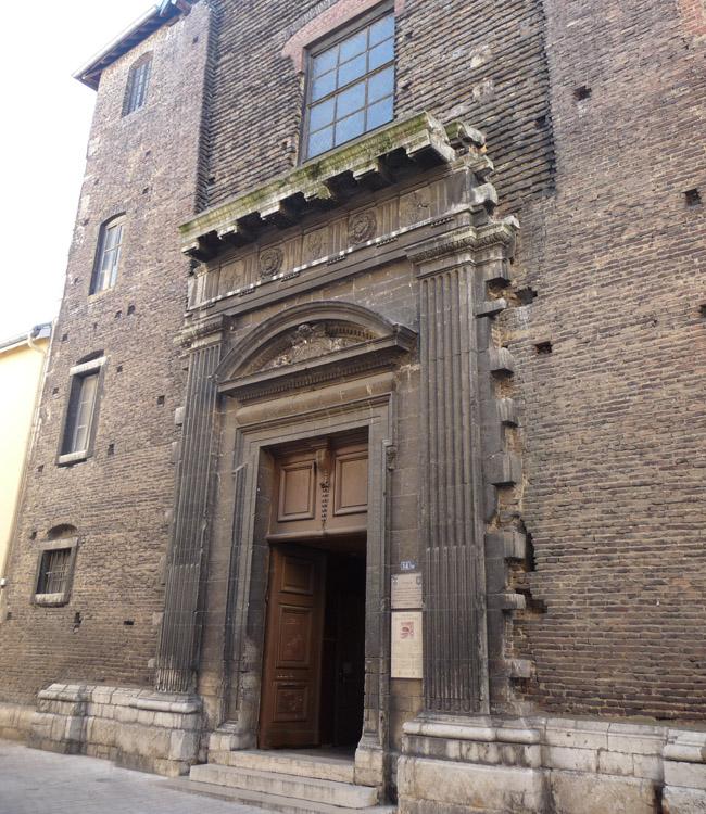 chapelle-des-jesuites-portail